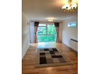 Beckenham BR3- a very spacious 2 bedrooms flat in immaculate condition, close to all amenities.