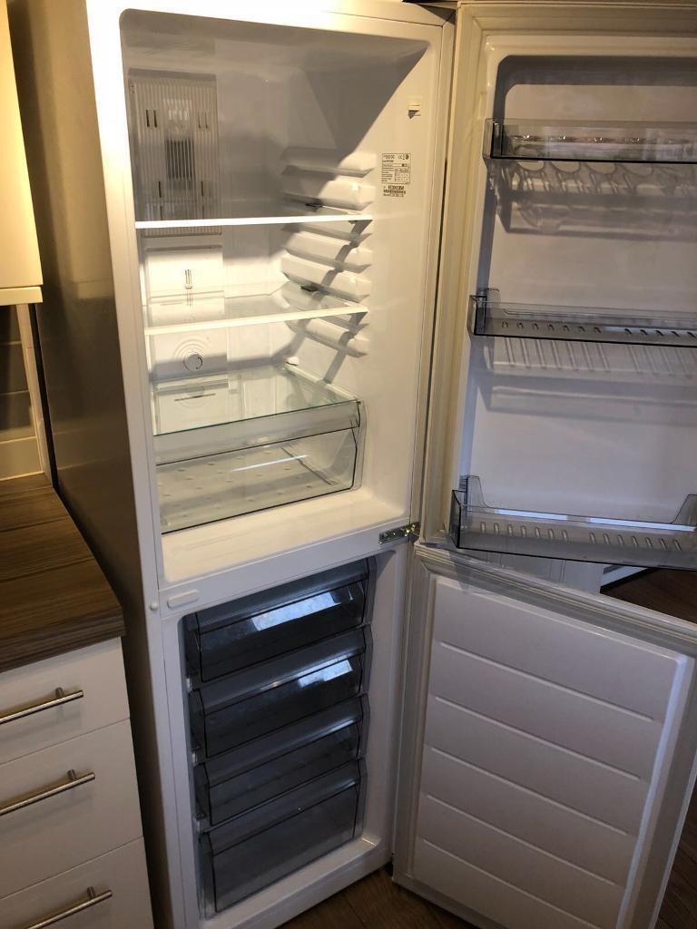 DAEWOO DFF470SW 50/50 Fridge Freezer – White | in Loughor, Swansea