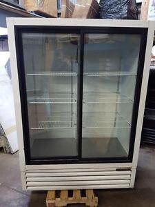 Frigo 2 Portes Vitree Commercial , Frigidaire, Refrigerator, 2 sliding Glass Dooor Livraison Gratuit Free Delivery