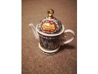 Sadler Merry Christmas Collectable Teapot