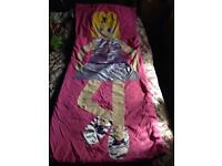 Ladies/girls sleeping bag. Great for festivals. Great Condition. Collection from Leeds 9.