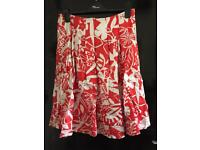 Stunning M&S red & white floral skirt size 10