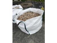 Bags of gravel (800-1000kg each)