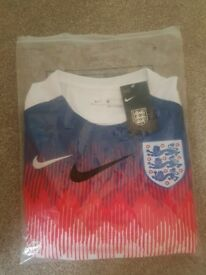England world cup training shirt - Large