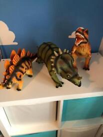 3x large dinosaurs