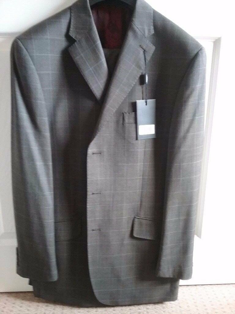 Mens Brown Checked suit