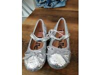 Girls size 10 silver shoes