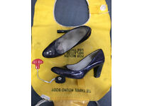 Well Worn Air Hostess/Cabin Crew Purple Patent Shoes UK 5