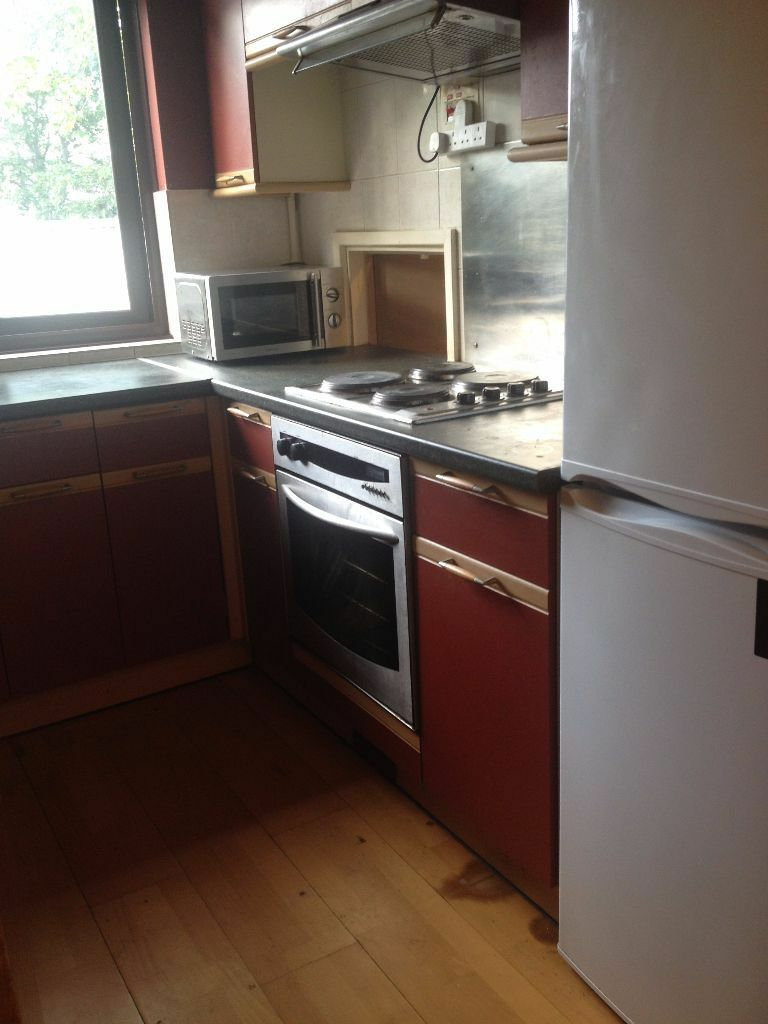 1 BED FLAT TO RENT IN MANOR PARK! 15 MINS WALK TO MANOR PARK/EAST HAM STATION. £1000PCM