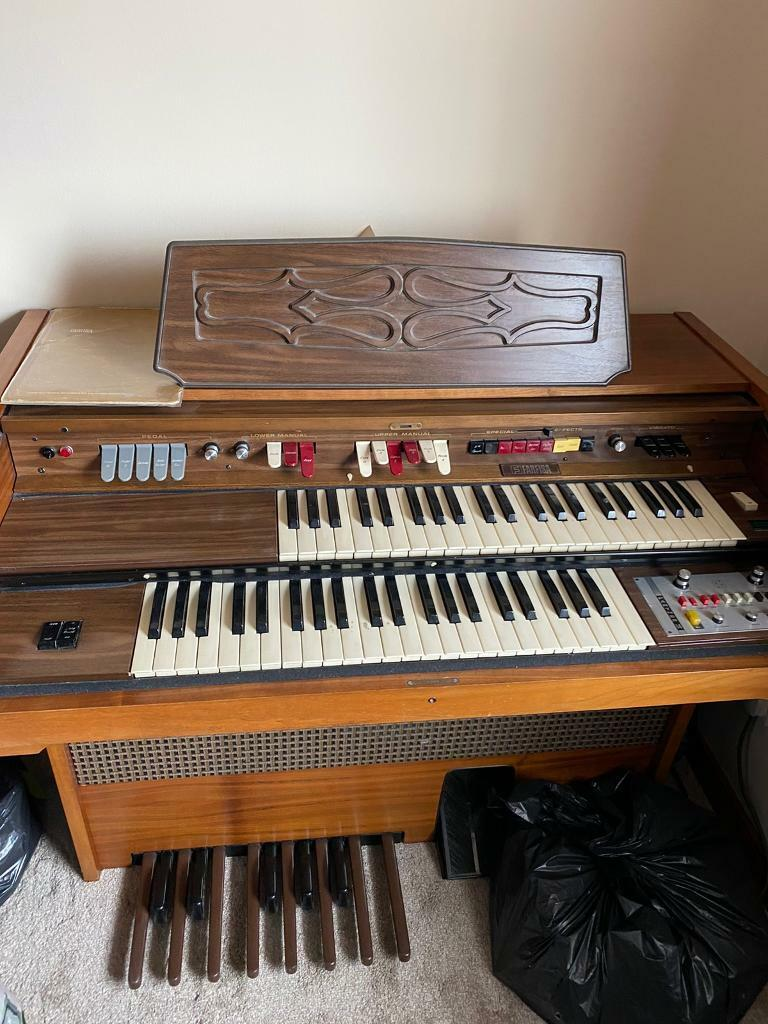 Electronic Organ Free for collection