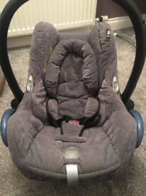 Maxi Cosi Cabrio Fix Car Seat