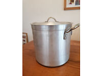"Nearly new 20 ~ 30 ltr Large Stock pot, 12""x12"""