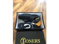TONERS Sandals Built in Gym