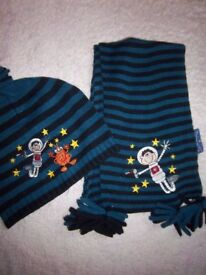 New Younger Boys Hat & Scarf Set IP1