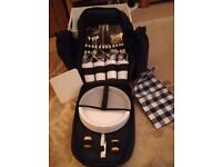 Picnic back pack 4 person navy complete with plates and cutlery