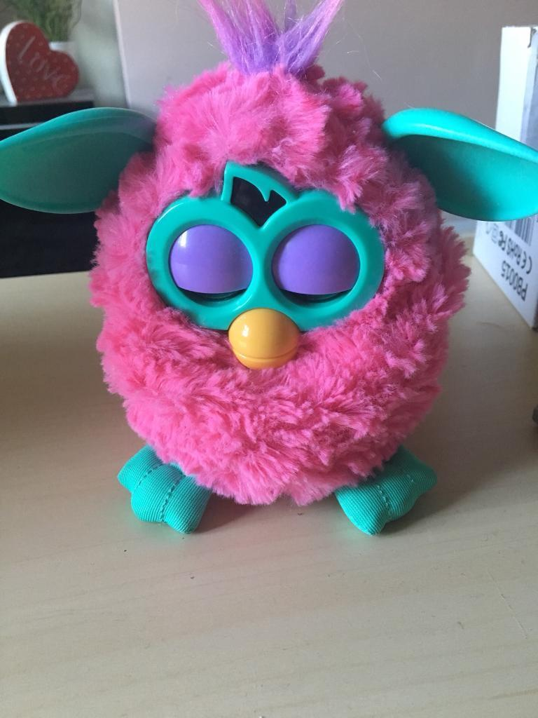 LOVELY PINK FURBY IN EXCELLENT CONDITION