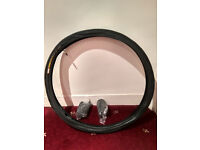 cycle tyre 26x1.5 and 3 tubes - all brand new