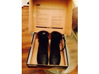 New size 9 Black boots by magnum