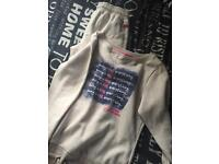 Girls Ellesse tracksuit- Medium