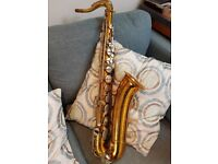 "Martin Handcraft Committee ""Skyline"" tenor saxophone - soft case included."