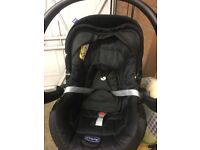 CHICCO 0-12 MONTHS BABY CAR SEAT