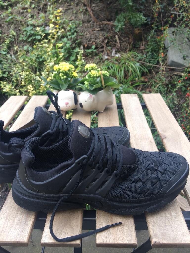 Nike Prestos size 9