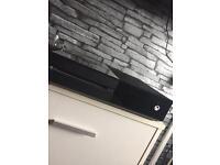 Xbox one 500GB 1 controller