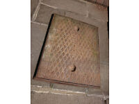 Cast manhole cover & frame
