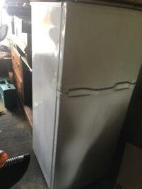 Excellent condition fridge freezer