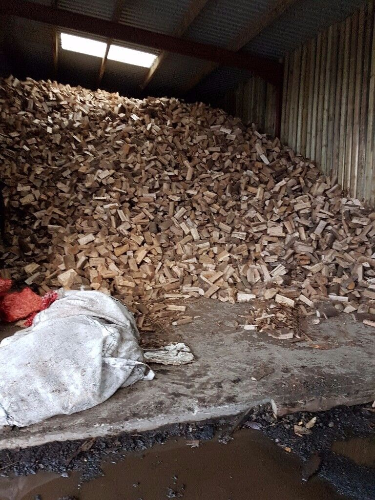 Seasoned Firewood logs for sale. Free delivery. Within 5 miles of paisley