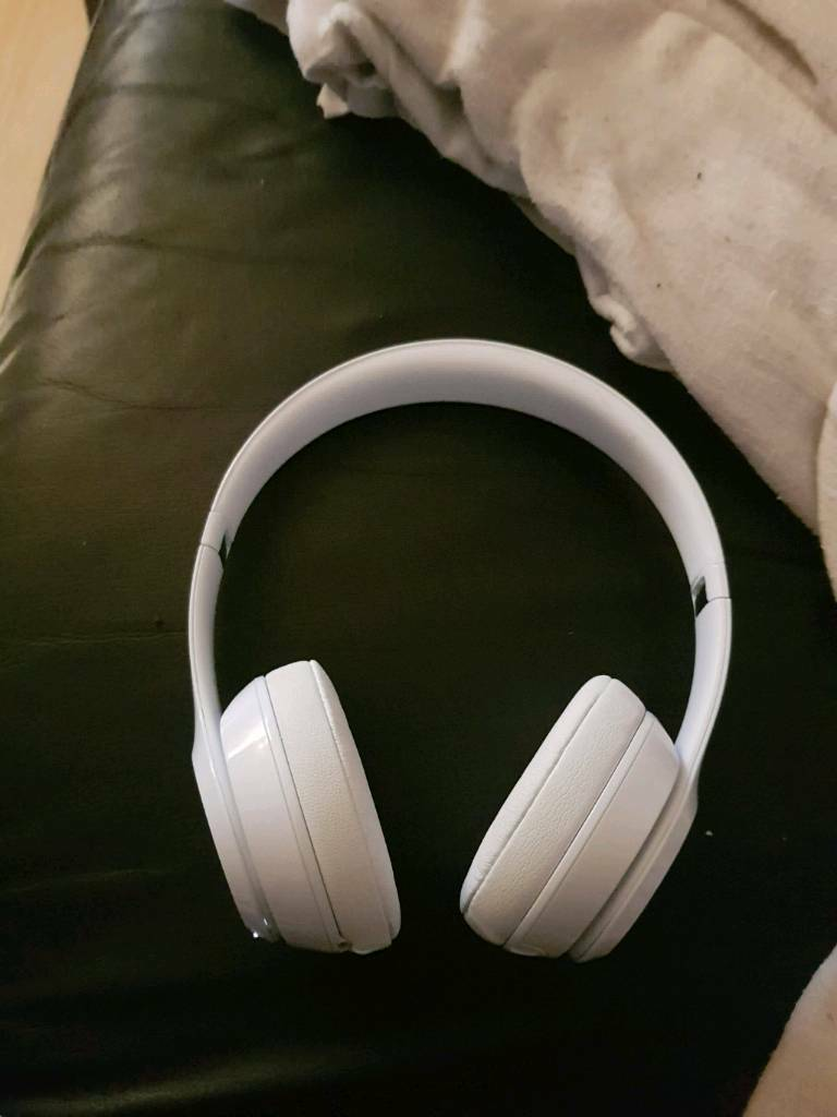 Beats solo 3 wireless white  c08c00499