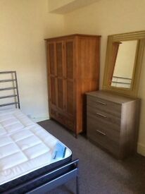 Double room available in house share