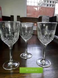 3x pretty wine glasses