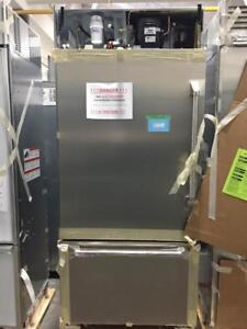 Réfrigérateur 72 po, Encastré, Congélateur en bas, Stainless