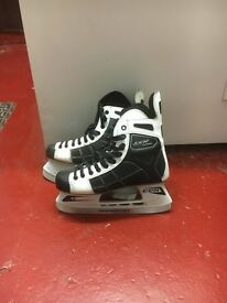 Ice Skates 9.5 uk size