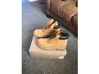Men's size 9 timberlands