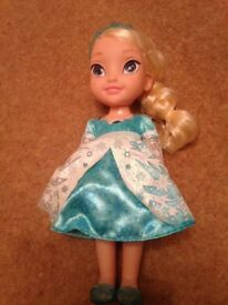 Elsa singing doll from frozen