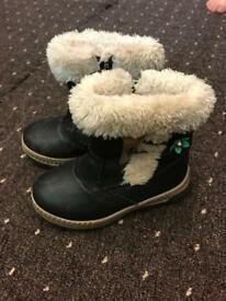 Girls boots size 26