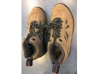Hiking leather shoes Dunlop 7 New Balance 8.5
