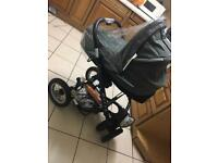 Quick sell !! Mutsy pram/buggy