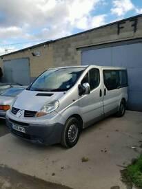 Renault trafic mini bus.
