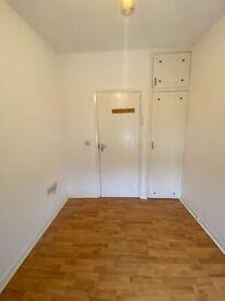 Big Single room in Acton Central. 2 Weeks Deposit. All Bills included