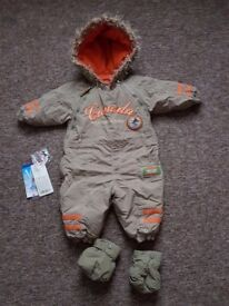 baby water resistant snow suit 89 cm approx 2 yrs