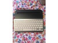 iPad/tablet mini desk and Bluetooth keyboard