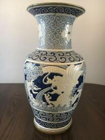 Detailed blue and White Vase