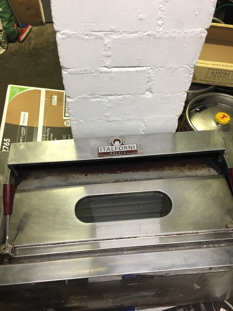 Pizza oven spare or repair no stones inside double deck