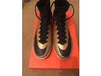 Nike Elastico Superfly 4 Size 7.5 UK