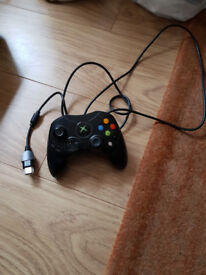 Various old xbox and Xbox 360 items