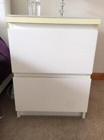 Modern Bedside Table / chest of drawers