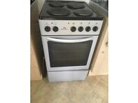 *URGENT* 50cm newworld electric cooker